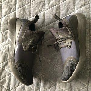 Nike Lunar Charge sneakers